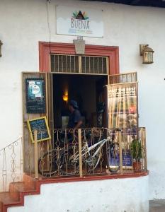 Calle Calzada, Granada, Laguna de Apoyo, Buena Tours, Nicaragua